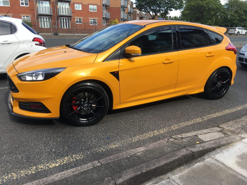 Ford Focus ST MK3 Fitted with Bola B25 Matt Black - Contact Autostyle 01517227755